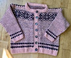 Kuschelige Kinderjacke nach dem Makerist Kurs von Sophia Wiik - Kofte Stricken Fair Isle Norwegermuster & Steek Knitting, Sweaters, Baby, Fashion, Sew Mama Sew, Easy Knitting Projects, Knitting And Crocheting, Moda, Tricot