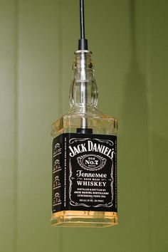 Luminaire suspendu de Jack Daniel par McIntoshDesignWorks sur Etsy