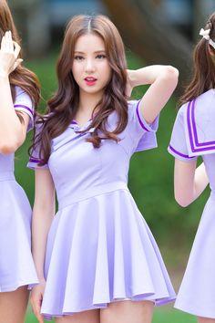 ʚ pin - lloverrose ɞ Beautiful Girl Image, Beautiful Asian Women, Cute Korean, Korean Girl, Korean Beauty, Asian Beauty, Vaquera Sexy, Pretty Asian, Kpop Girls