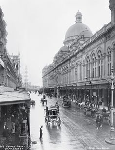 Images of Australia: the Tyrrell Collection of photographs of Australia's history Queen Victoria Building, Sydney Wales Beach, Queen Victoria Market, Coogee Beach, Victoria Building, Sydney City, Melbourne Victoria, History Photos, Interesting History, Historical Pictures