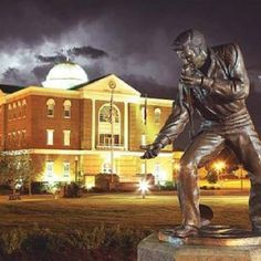 Tupelo, Mississippi's statue of Elvis Presley in front of the Court House. Tupelo is the birthplace of Elvis Presley.
