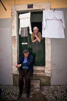 Andando pelos Bairros típicos - Lisboa - Portugal.