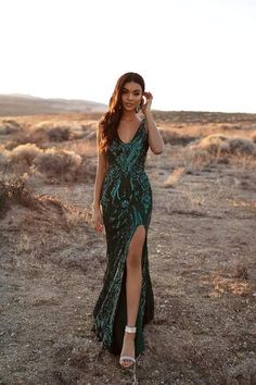 A&N Luxe Danica - Emerald Sequin Mermaid Gown with Side Slit Cute Prom Dresses, Sweet 16 Dresses, Grad Dresses, Ball Dresses, Homecoming Dresses, Ball Gowns, Bridesmaid Dresses, Evening Dresses, Teen Dresses