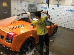 Vi erbjuder dig flera olika varianter av rekond eller tvätt av bilen!