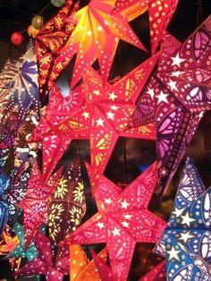 How to Make a Native Parol Star Lantern (a traditional Filipino Christmas decoration) Christmas Star, Christmas Crafts, Christmas Decorations, Christmas Ornaments, Holiday Decor, Christmas Parol, Christmas Lanterns, Stage Decorations, Christmas In The Philippines