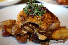 The grilled chicken breast with blonde bbq sauce served with mushrooms and baby potatoes was amazing!