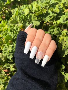 Acrylic Nails Coffin Short, Simple Acrylic Nails, Summer Acrylic Nails, Best Acrylic Nails, Simple Nails, White Summer Nails, Square Acrylic Nails, Pink Acrylics, Edgy Nails