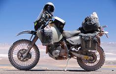 Suzuki Enduro Long Distance with The Safari tank Enduro Motorcycle, Motorcycle Camping, Camping Gear, Motorcycle Adventure, Motorcycle Touring, Touring Motorcycles, Touring Bike, Dr 650, E Motor