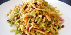 Ramen Recipes: 10 Dishes To Make With Packaged Noodles ramen noodle recipe 20 Crazy Delicious Ways To Use Ramen Ramen Noodle Salad, Ramen Noodle Recipes, Ramen Noodles, Cold Noodles, Ramen Soup, Noodle Soup, Slaw Recipes, Healthy Recipes, Pasta Recipes