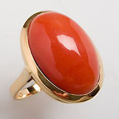 Natural red coral cabochon cocktail ring, 18K gold