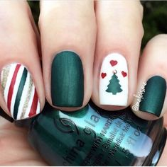 Xmas green, red & white manicure by using Christmas Tree & Gift Wrap Nail Art Stencils now OFF at Hello December! Xmas green, red & white manicure by using Christmas Tree & Gift Wrap Nail Art Stencils now OFF at Christmas Tree Nail Art, Cute Christmas Nails, Holiday Nail Art, Xmas Nails, Christmas Nail Art Designs, Red Nails, Christmas Holiday, Green Christmas, Christmas Manicure