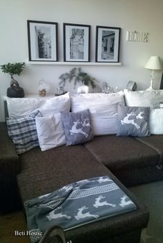 salon Couch, Christmas, Furniture, Home Decor, Drawing Rooms, Xmas, Settee, Sofa, Weihnachten
