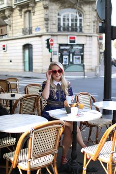 heart sunglasses from forever21 while at breakfast in Paris - www.andreaclare.ca
