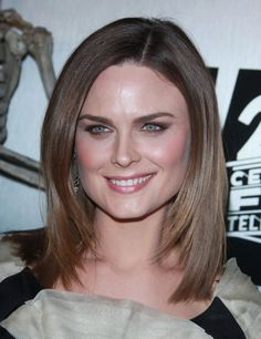Emily Deschanels shoulder length layered hairstyle!