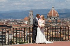 Florence wedding kiss