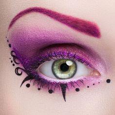 Purple eyeshadow - Eye