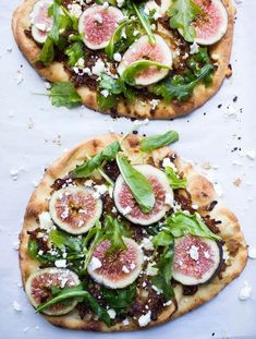 Fresh figs caramelized onions arugula salty feta a top of crisp flatbread. Perfect blend of sweet and savory all in one! Fig Recipes, Gourmet Recipes, Vegetarian Recipes, Cooking Recipes, Healthy Recipes, Recipes With Figs, Gourmet Foods, Greek Recipes, Recipies