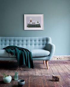 Aloe vera farvevalg fra Durup til børneværelse Colorful Couch, Colour Architecture, Sofa Inspiration, Blue Rooms, Transitional Decor, 3 Seater Sofa, Shops, Contemporary Decor, Wall Colors