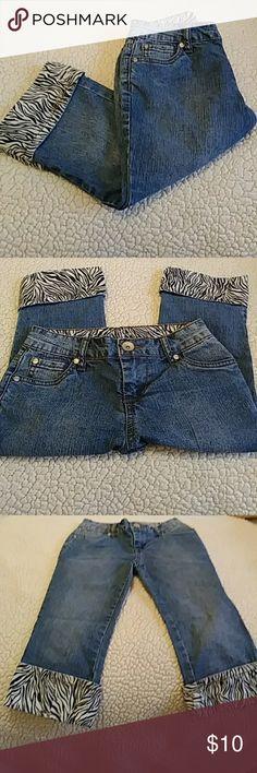 Capri Jeans Excellent condition...zebra trim LEI Bottoms Jeans
