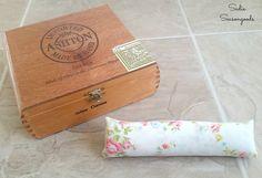 DIY ring holder display with a repurposed / upcycled vintage cigar box and bed sheet fabric by Sadie Seasongoods / www.sadieseasongoods.com