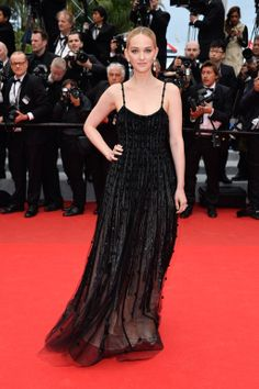 Cannes Fashion - Red Carpet Dresses at Cannes 2014 - Harper's BAZAAR | Jess Weixler in Armani Prive
