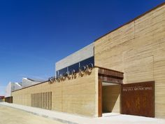 Built by Vier Arquitectos in Toro, Spain with date 2010. Images by Héctor Fernández Santos-Díez. The building comes out as a result of the proposal submitted to a public competition called in 2004 by the City of To...