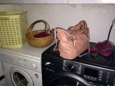Washingroom2 Louis Vuitton Neverfull, Tote Bag, House, Bags, Fashion, Handbags, Moda, Louis Vuitton Neverfull Damier, Home