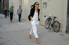 White pants I want pretty: LOOK- Pantalones Blancos ! Maxi Blazer, Look Office, Office Inspo, Casual Office, Casual Chic, White Office, Work Casual, Smart Casual, Business Casual
