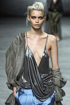 Haider Ackermann at Paris Fashion Week Spring 2012 - Runway Photos Paris Fashion, Love Fashion, High Fashion, Fashion Show, Abbey Lee Kershaw, Haider Ackermann, Catwalk, Sexy Women, Runway