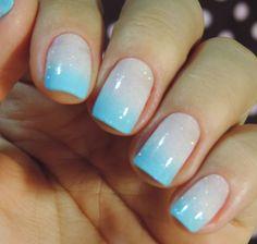 Tutorial – unhas com ombré suave com azul e branco