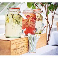 Billedresultat for a table story Lemonade Bar, Bruges, Best Day Ever, Christening, Mason Jar, A Table, Wedding Colors, Mojito, Wedding Inspiration