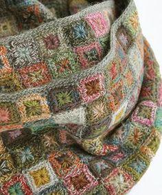 Transcendent Crochet a Solid Granny Square Ideas. Inconceivable Crochet a Solid Granny Square Ideas. Point Granny Au Crochet, Granny Square Crochet Pattern, Crochet Squares, Crochet Blanket Patterns, Knitting Patterns, Crochet Motifs, Freeform Crochet, Crochet Shawl, Crochet Stitches