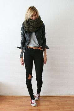 casual.  love the big scarf!