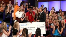Nicki Minaj Shocks Deserving College Students by Helping Pay Off Their Loans The Ellen Show, Nicki Minaj, College Students, Superstar, Hip Hop, The Past, Fans, Youtube, Hiphop