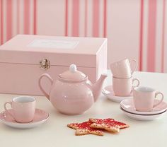 Porcelain Tea Set #PotteryBarnKids   I love this - but maybe for when she is older.