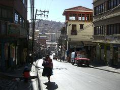 """""""in cammino"""" La Paz, Bolivia. 2° riScatto urbano di Alma Lea. Saranno conteggiati i """"Mi piace"""" al seguente post: https://www.facebook.com/photo.php?fbid=10153065125003027&set=o.170517139668080&type=3&theater"""