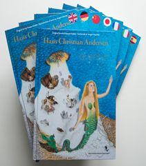 Kasper Købke er illustratoren bag denne fantastiske bog med 14 af Hans Christian Andersens fantastiske eventyr, se med i DR Aftenshowet i aften og klik på forsidebilledet og læs mere på bøger.org >>