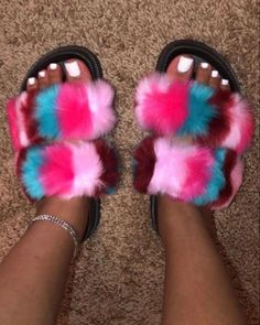 Sneakers Fashion, Fashion Shoes, Fashion Outfits, Swag Outfits, Trendy Outfits, Fluffy Shoes, Shoe Boots, Shoes Heels, Ugg Boots