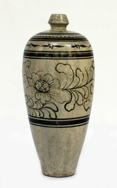 Chinese Cizhou ware vase painted with peony scrolls. H. 290mm