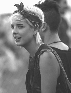 The best bandana hairstyles for women with short hair