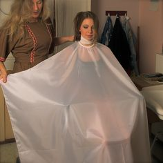 Hairdresser, Ball Gowns, Hair Cuts, Hair Beauty, Capes, Female, Formal Dresses, Photography, Fashion