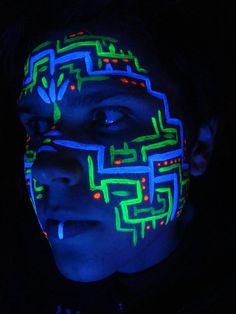 UV circuit board tribal face paint, i used TAG brand of paints as they dry nice and smooth and glow bright under the black light Neon Painting, Light Painting, Glow Face Paint, Body Paint, Pintura Facial Neon, Face Paint For Men, Uv Photography, Photography Lessons, Tribal Face Paints