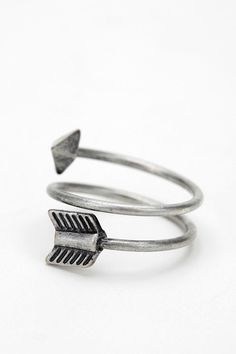 Purchased this lovely arrow ring today. I will never take it off my finger <3