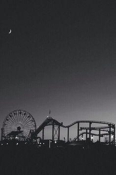 Image via We Heart It https://weheartit.com/entry/147927013 #adventure #b&w #beautiful #beauty #blackandwhite #dark #freedom #fun #grunge #life #moon #night #pale #park #photography #sky #tumblr #vintage #lunapark #blackround