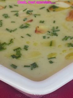 CUKKINI KRÉMLEVES Cheeseburger Chowder, Food And Drink, Soup, Recipes, Bulgur, Soups, Ripped Recipes, Cooking Recipes