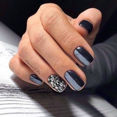 Easy Matte Nail Designs Ideas You'll Love - Page 20 of 62 Need new nails? We have gathered 62 stylish matte nails to inspire you. Matte can be used to create many different looks. Fabulous Nails, Gorgeous Nails, New Year's Nails, Hair And Nails, Dipped Nails, Nagel Gel, Creative Nails, Matte Nails, Dark Nails