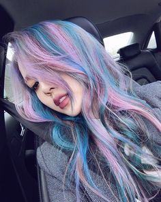 Pony Makeup Lilac and Blue Hair Pelo Ulzzang, Ulzzang Girl, Pony Makeup, Hair Color Asian, Multicolored Hair, Coloured Hair, Mermaid Hair, Grunge Hair, Rainbow Hair