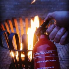 #red #redoftheday #todayisred #colourred #instared #rood #vandaagisrood #mooiroodisnietlelijk #everyday #project2017 #fire #firebasket #wood #flames #fireextinguisher #safety #safetyfirst #vuur #vuurkorf #brandblusser #vlammen