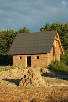 dom z gliny lekkiej