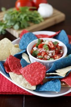 How To Make Patriotic Chips and Salsa  | DIY Fun Patriotic Party Ideas at http://pioneersettler.com/25-ways-patriotic-4th-july-party/